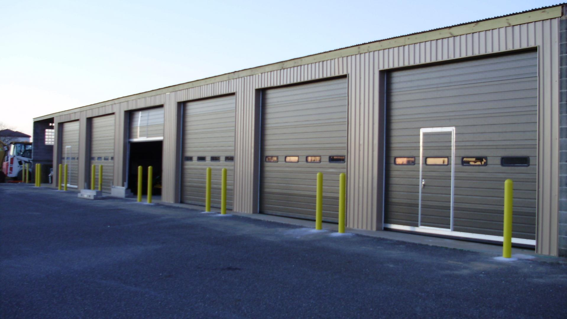 Commercial overhead garage door - Commercial Garage Door