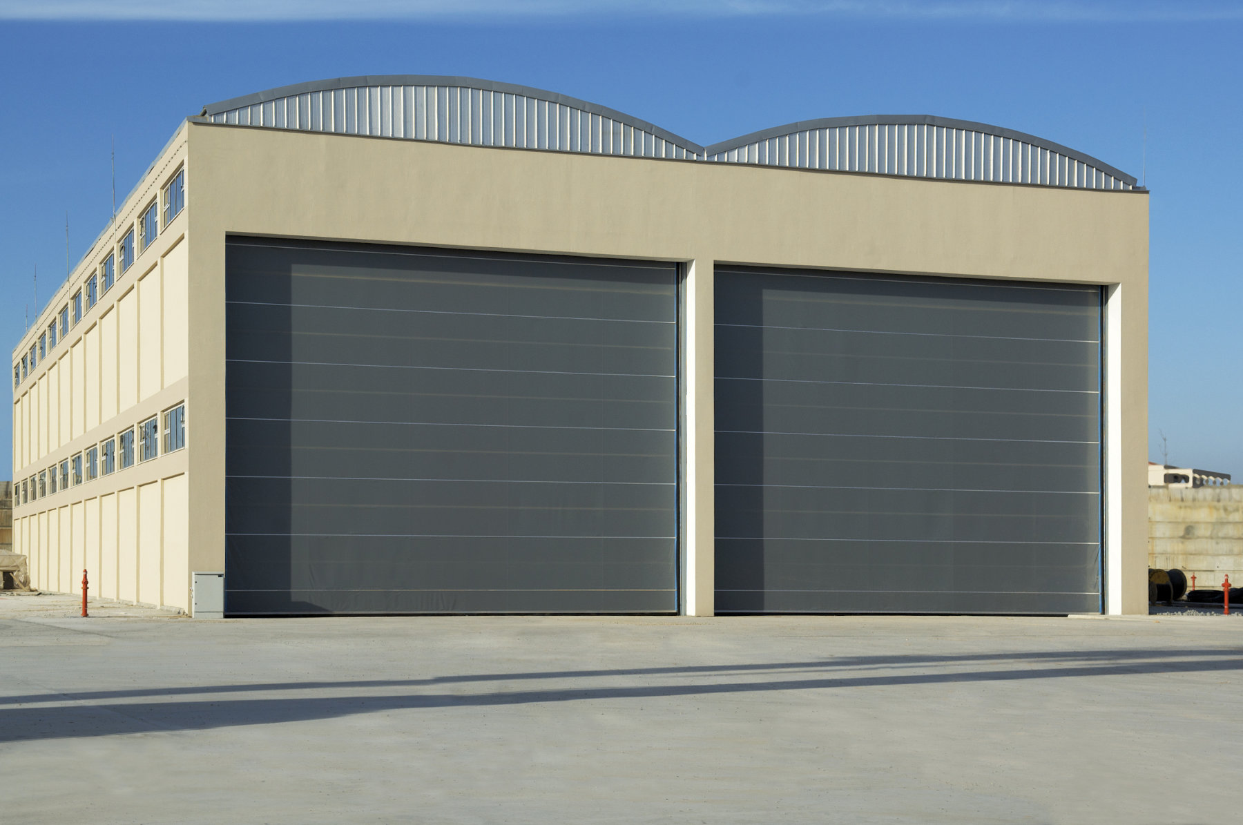 Commercial overhead garage door - Warehouse Garage Door